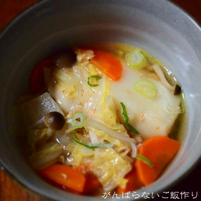 白菜と人参とツナの鍋