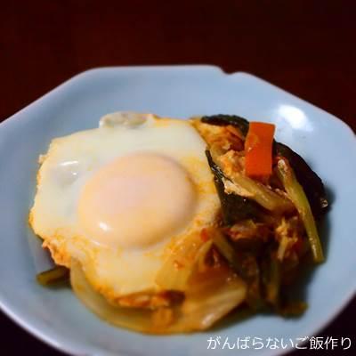 卵入りトマトとキャベツの炒め煮