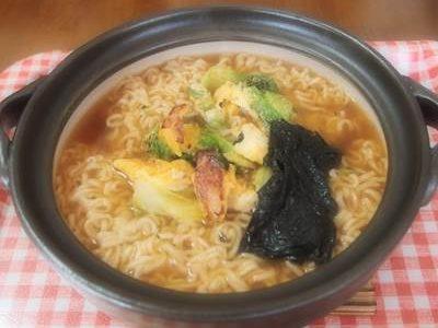 土鍋で作ったインスタントラーメン
