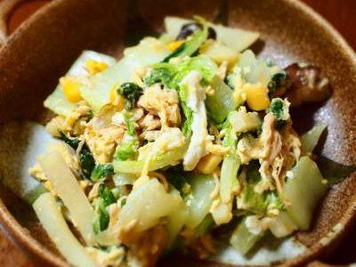 ジャガイモと白菜のチキン卵炒め