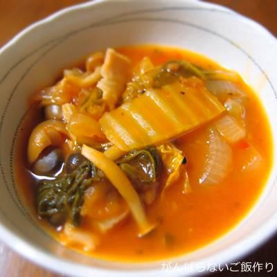 レトルトパスタソースで作った野菜スープ
