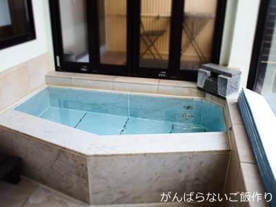 桜舞 客室半露天風呂